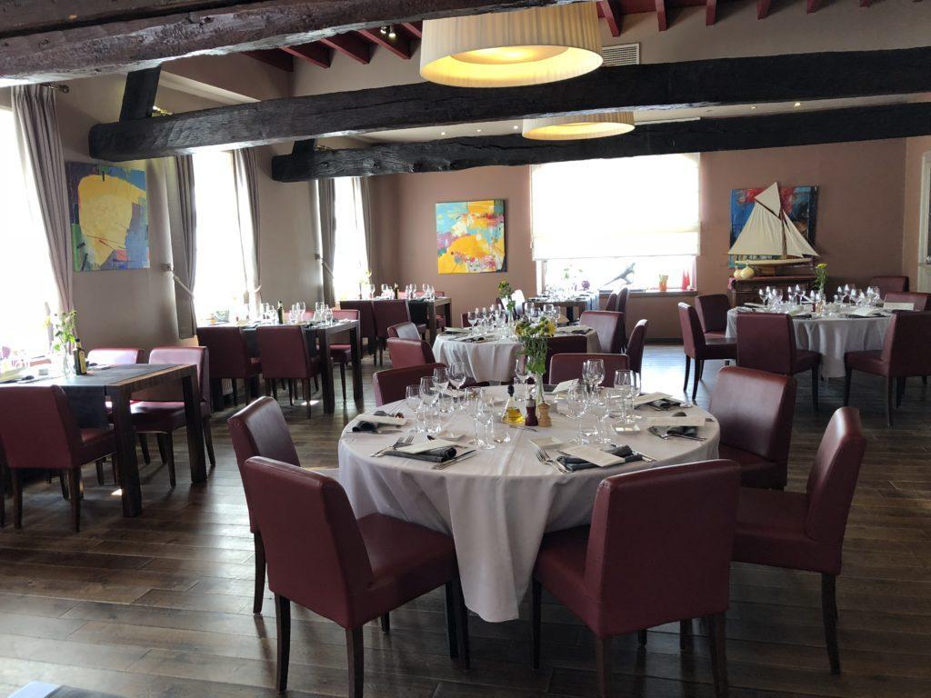 Het restaurant v/d Plezanten Hof te Kobbegem - de grote zaal