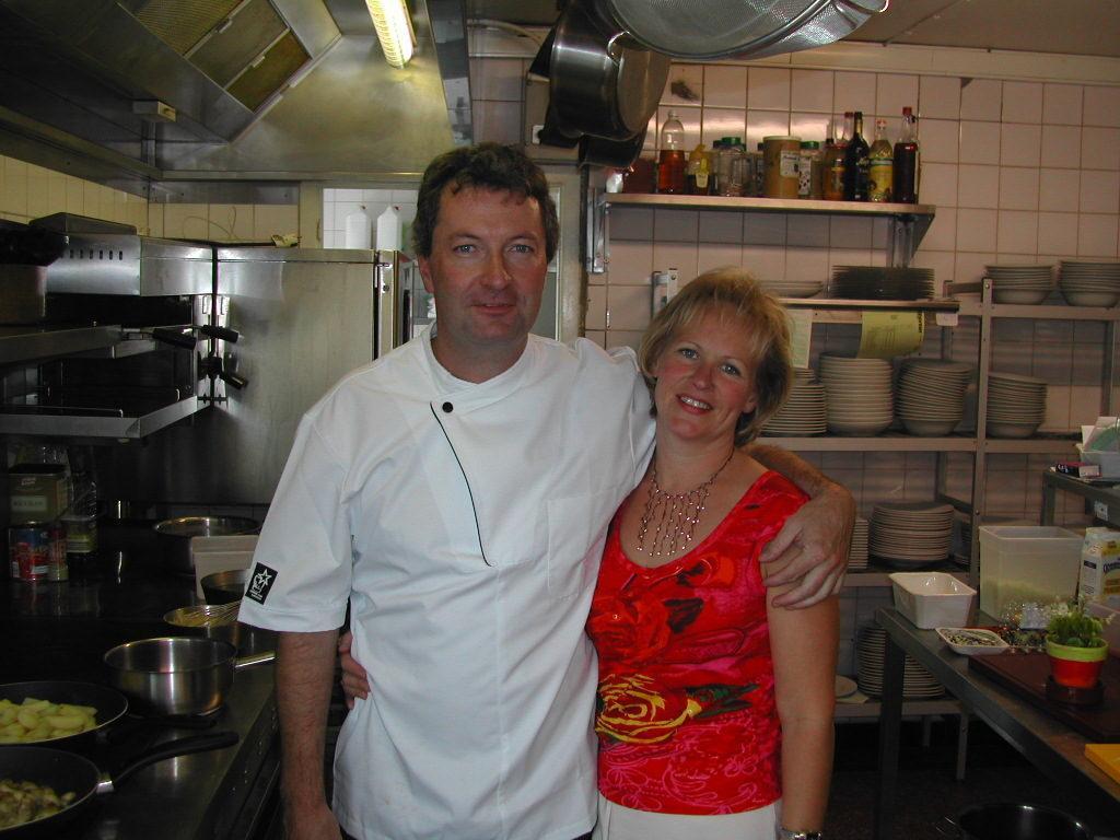 Chef Koen en gastvrouw Hilde van De Plezanten Hof te Kobbegem